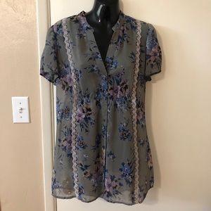 Women's Floral Button Down Blouse- Size Large
